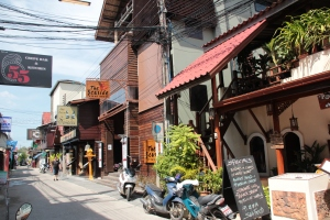 Open streets of Bo Phut, Samui where we stumbled across The Happy Elephant Cafe